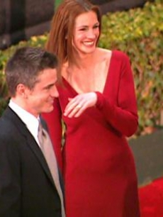 Dermot Mulroney cracks Julia up!