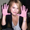 Keira shows us her hands!