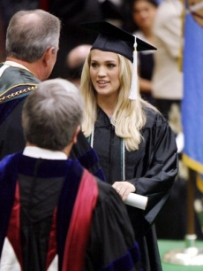 Carrie Underwood graduates - May 8, 2006