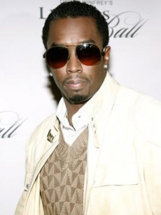 Diddy poses for the press at Oprah's Legends Ball, 2006