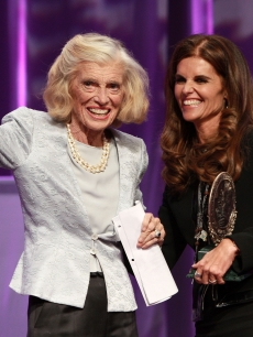 First Lady Maria Shriver presents her mother Eunice Kennedy Shriver the Minerva Lifetime Achievement Award during the Women&#8217;s Conference 2007 held at the Long Beach Convention Center, Long Beach, Calif., October 23, 2007