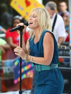 Natasha Bedingfield hits the stage on NBC's 'Today' show on August 21, 2009