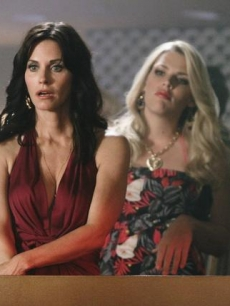 Courteney Cox and Busy Philips in 'Cougar Town'
