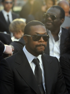 Chris Tucker attends Michael Jackson&#8217;s funeral service held at Glendale Forest Lawn Memorial Park on September 3, 2009
