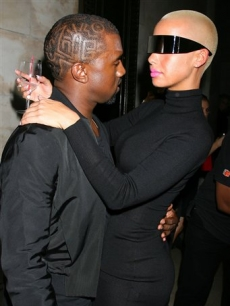 Kanye West and Amber Rose attend the Paper Magazine and HP 25 years of paper and ink party in New York on September 8, 2009