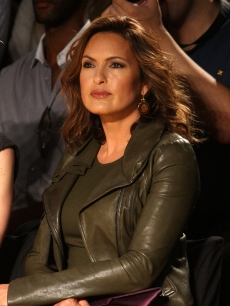 Mariska Hargitay gets fierce at the Diane Von Furstenberg Spring 2010 fashion show at Bryant Park in New York City on September 13, 2009