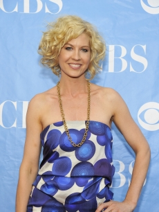 Jenna Elfman attends the 2009 CBS Upfront at Terminal 5 on May 20, 2009 in New York City