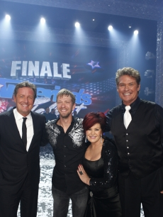 'America's Got Talent' champ Kevin Skinner with Piers Morgan, Sharon Osbourne and David Hasselhoff