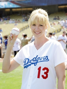 Jenna Elfman gets ready to throw out the first pitch at Dodger Stadium on September 19, 2009