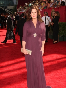 The beautiful Elizabeth Perkins arrives at the 61st Primetime Emmy Awards held at the Nokia Theatre on September 20, 2009 in Los Angeles, California
