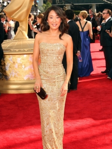 Sandra Oh dazzles on the red carpet at the 61st Primetime Emmy Awards held at the Nokia Theatre on September 20, 2009 in Los Angeles, California