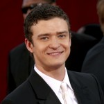 Justin Timberlake is all smiles on the red carpet at the 2009 Emmy Awards