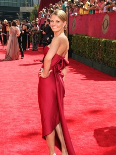 Jennifer Morrison arrives at the 61st Primetime Emmy Awars held at the Nokia Theatre on September 20, 2009 in Los Angeles, California