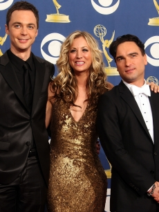 &#8216;Big Bang Theory&#8217; stars Jim Parsons, Kaley Cuoco and Johnny Galecki smile backstage at the 61st Annual Primetime Emmy Awards at the Nokia Theater in LA on September 20, 2009