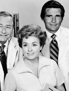 Robert Young, Elena Verdugo and James Brolin in a 1970 promotional shot from &#8216;Marcus Welby, M.D.&#8217;