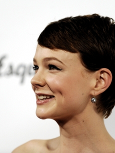 Carey Mulligan arrives at the premiere of Sony Pictures Classics' 'An Education' at the Egyptian Theater on October 1, 2009 in Los Angeles, California.