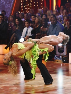 Joanna Krupa and Derek Hough get down with the Lambada on 'Dancing's' Week 4