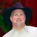 Garth Brooks announces his return to performance