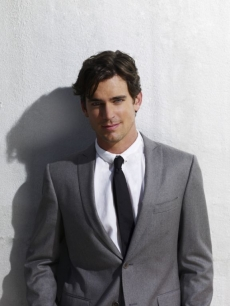 Matt Bomer looks dapper in grey on 'White Collar'