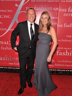 Michael Kors and Aeirn Lauder pose on the red carpet at Fashion Group International&#8217;s 26th annual Night Of Stars at Cipriani, Wall Street, NYC, October 22, 2009