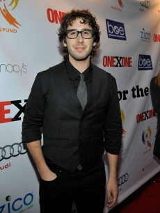 Josh Groban is all smiles at the Second Annual ONEXONE Fundraiser in San Francisco, Calif. on October 22, 2009