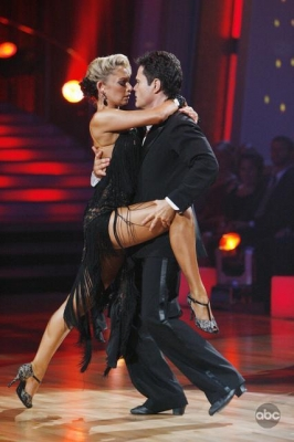 Kym Johnson helps Donny Osmond get sexy on the dance floor during week 5 of 'DWTS'
