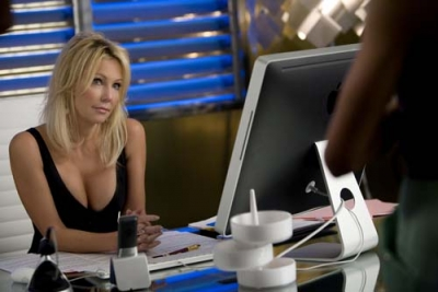 Heather Locklear returns as Amanda in an episode of 'Melrose Place'