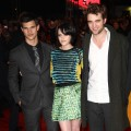 Taylor Lautner, Kristen Stewart and Robert Pattinson all pose together at a &#8216;Twilight Saga: New Moon&#8217; fan event in London, England on November 11, 2009