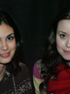 Morena Baccarin and Summer Glau pose at Grand Slam XIV: The Sci-Fi Summit, Pasadena, March 11, 2006