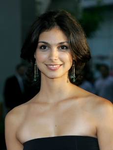 Morena Baccarin arrives at the premiere of Universal Studios 'The 40 Year-Old Virgin' at Arclight Hollywood on August 11, 2005