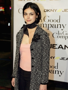 Morena Baccarin attends the world premiere of 'In Good Company' in Hollywood, December 6, 2004