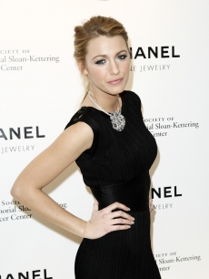 Blake Lively attends the CHANEL Fine Jewelry Hosts 'Fête d'Hiver' Benefit at Four Seasons Restaurant, NYC, Nov. 4, 2009