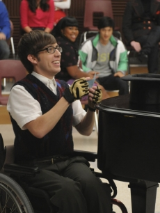 Kevin McHale as Artie on 'Glee'