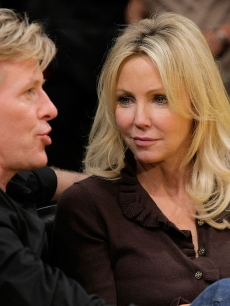 Heather Locklear and Jack Wagner attend a game between the Phoenix Suns and the Los Angeles Lakers at Staples Center on November 12, 2009 in Los Angeles, California