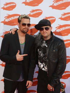 Joel and Benji Madden of Good Charlotte arrive for the Australian Nickelodeon Kids' Choice Awards 2009 at Hisense Arena on November 13, 2009 in Melbourne, Australia
