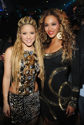 Shakira and Beyonce pose for a pic at the MTV Europe Music Awards, Berlin, Germany, Nov. 5, 2009