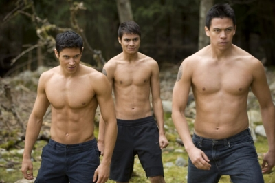 Alex Meraz, Kiowa Gordon, and Chaske Spence as werewolves in &#8216;New Moon&#8217;