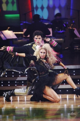 Donny Osmond and Kym Johnson bring an '80s flavor to their ballroom moves on 'Dancing,' Nov. 9, 2009