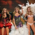 Marissa Miller, Heidi Klum and Doutzen Kroes pose alongside one another at the Victoria's Secret Fashion Show in New York City on November 19, 2009