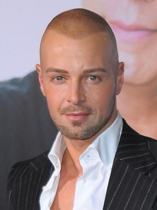 Joey Lawrence at the premiere of 'Old Dogs' on November 9, 2009