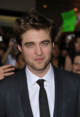 Robert Pattinson hits 'The Twilight Saga: New Moon' premiere red carpet, LA, Nov. 16, 2009