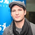 'New Moon' star Peter Facinelli poses for photos at the 'The Morning Mash Up!' radio show at SIRIUS XM Studio, NYC, December 2, 2009
