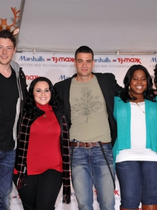 Cory Monteith, Nikki Blonsky, Mark Salling, Amber Riley and Kimberley Locke attend the 'Carol-Oke' Contest at Bryant Park on December 3, 2009