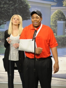 Blake Lively and Kenan Thompson spoof Elin Nordegren and Tiger Woods on 'Saturday Night Live' on December 5, 2009