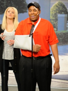 Blake Lively and Kenan Thompson as Elin Nordegren and Tiger Woods on 'Saturday Night Live' on December 5, 2009