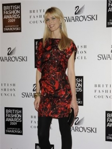 German model Claudia Schiffer looks ravishing in red at the British Fashion Awards in London on December 9, 2009