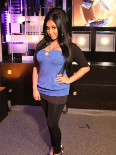 'Jersey Shore's' Snooki stops by the Access Hollywood offices in Los Angeles on December 14, 2009