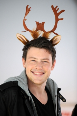 &#8216;Glee&#8217;s&#8217; adorable Cory Monteith attends the &#8216;Carol-Oke&#8217; contest at Bryant Park, NYC in a pair of reindeer antlers, December 3, 2009