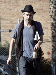 Colin Farrell steps out for Starbucks in LA on December 18, 2009