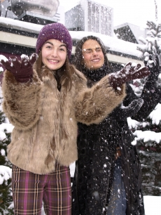 Camilla Belle and Jordana Brewster check out the snow at the Sundance Film Festival, Park City, Utah, January 25, 2001